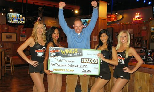 St. Louis Man Wins $10,000 Thanks to Hooters Lunch Craving