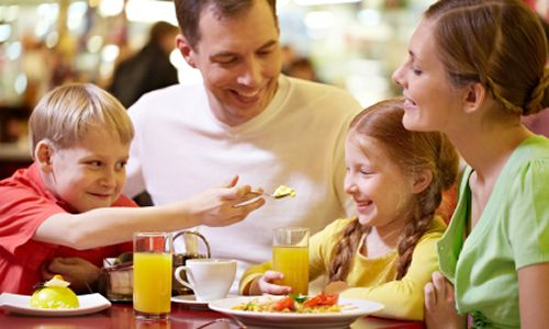 Make Dad King At Ryan S Hometown Buffet And Old Country This Father Day