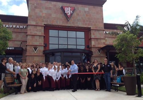 Bj S Restaurants Opens In West Palm Beach Florida