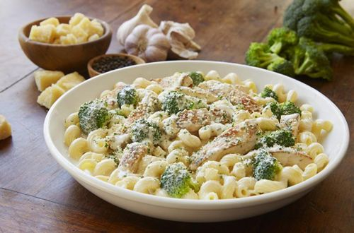 olive garden offers 3 course alfredo italian dinner starting at 1199 - Olive Garden Huntington Beach