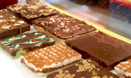 Fuzziwig s Candy Factory Opens in Tucson Arizona
