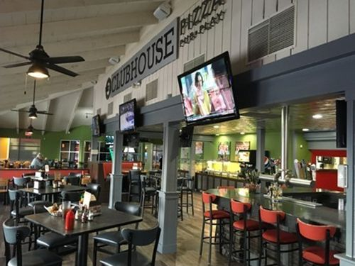 Round Table Pizza Paradise Ca.Round Table S New Clubhouse Concept Serving Up Sizzling Sales