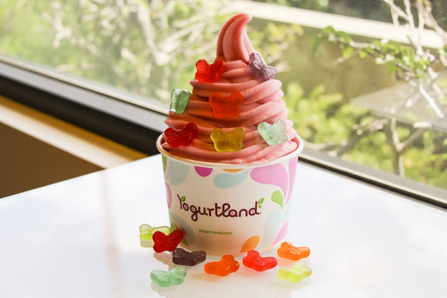 Yogurtland Shares Summer Joy With Newest Scratch-made Delicious Flavors