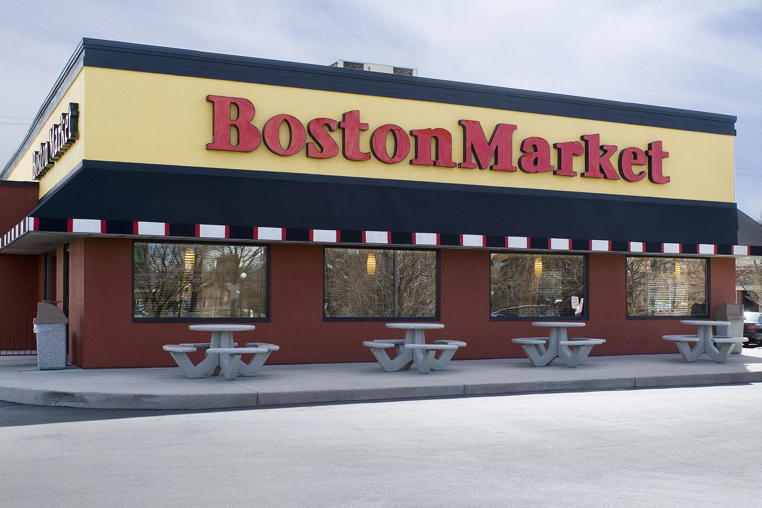 Boston Market Expands Its Longstanding Presence In New York Metropolitan Area With Three New Restaurants In 2017