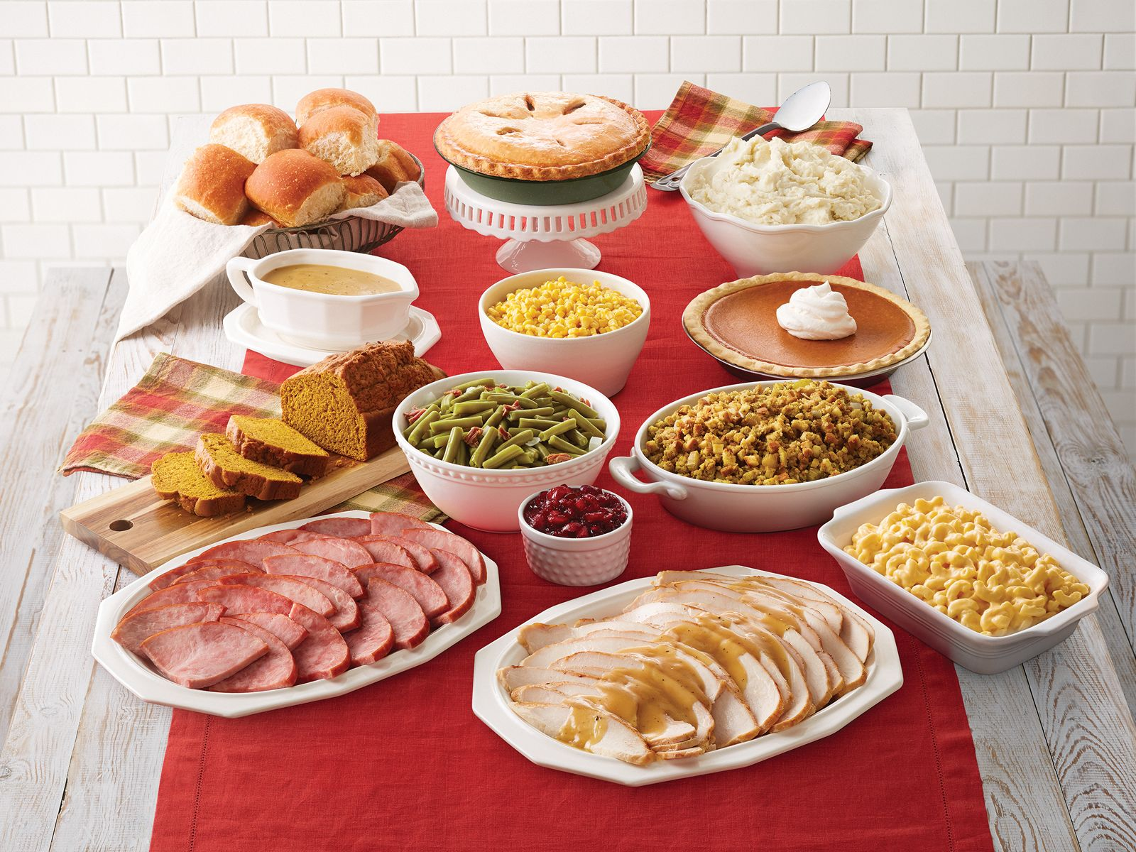 Bob Evans Restaurants Serves Up Value With Thanksgiving 'Farmhouse Feast' To-Go