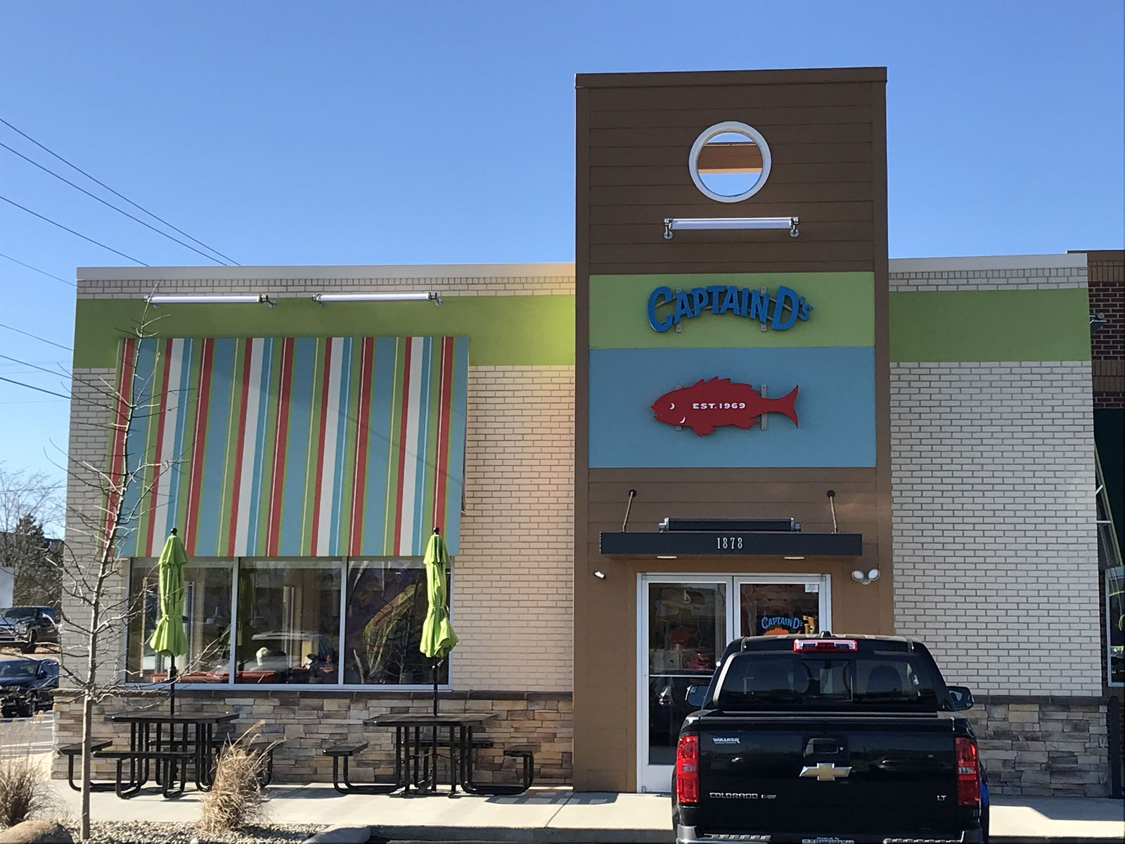 Captain D's Opens First End Cap Location in Smyrna