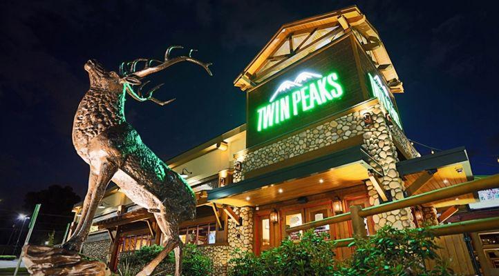 Twin Peaks Elevates Beverage Offerings