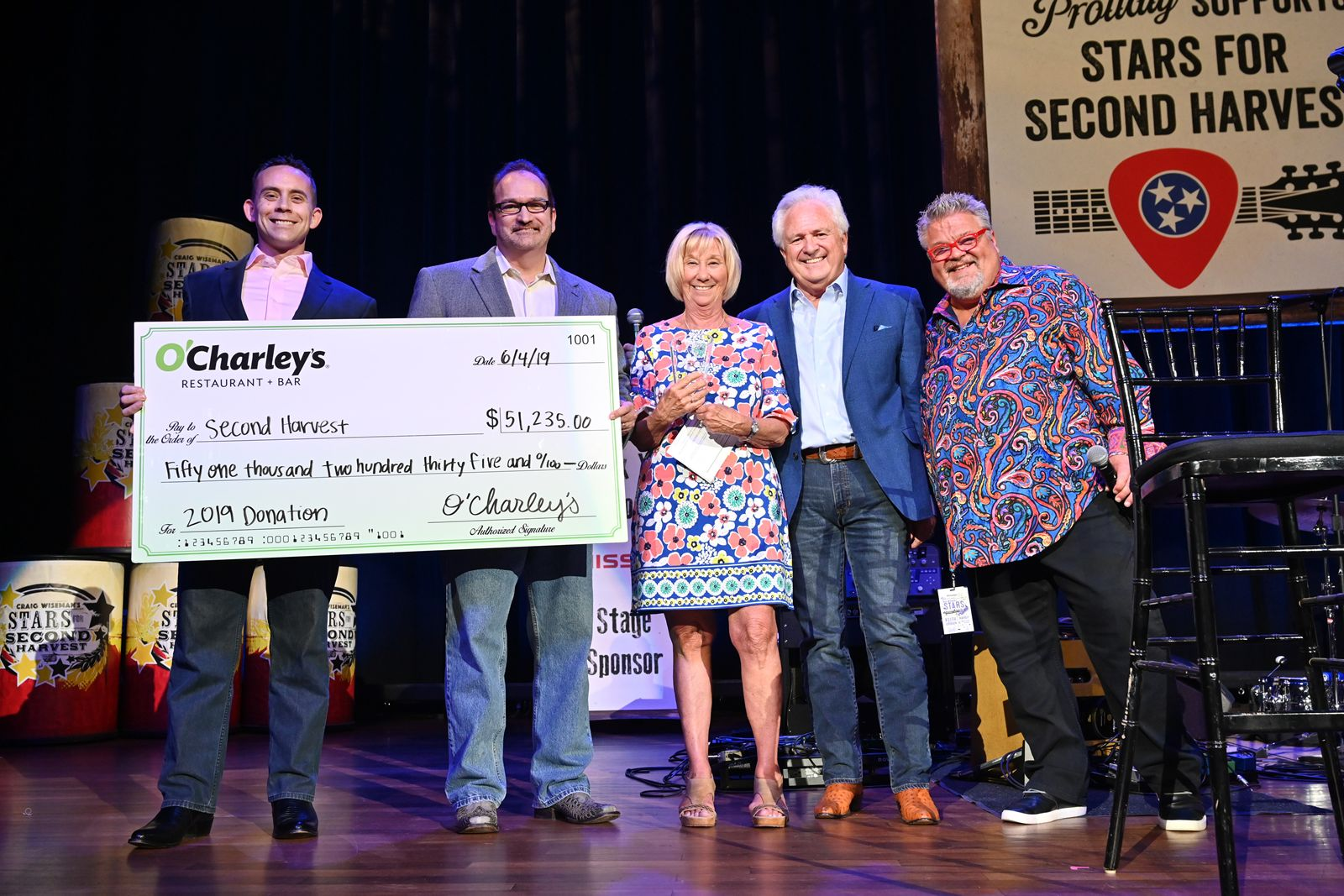 Pictured: O'Charley's Regional Vice President Ian Geralds, O'Charley's Senior Vice President of Operations Chuck Westphal, Second Harvest President & CEO Jaynee Day, O'Charley's Chief Concept Officer of Family Dining Bob Langford and Craig Wiseman.