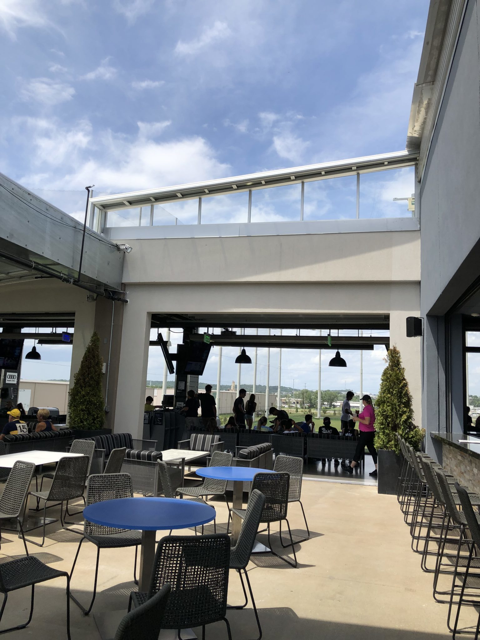 Restaurant Chains With Roll A Cover Retractable Roof