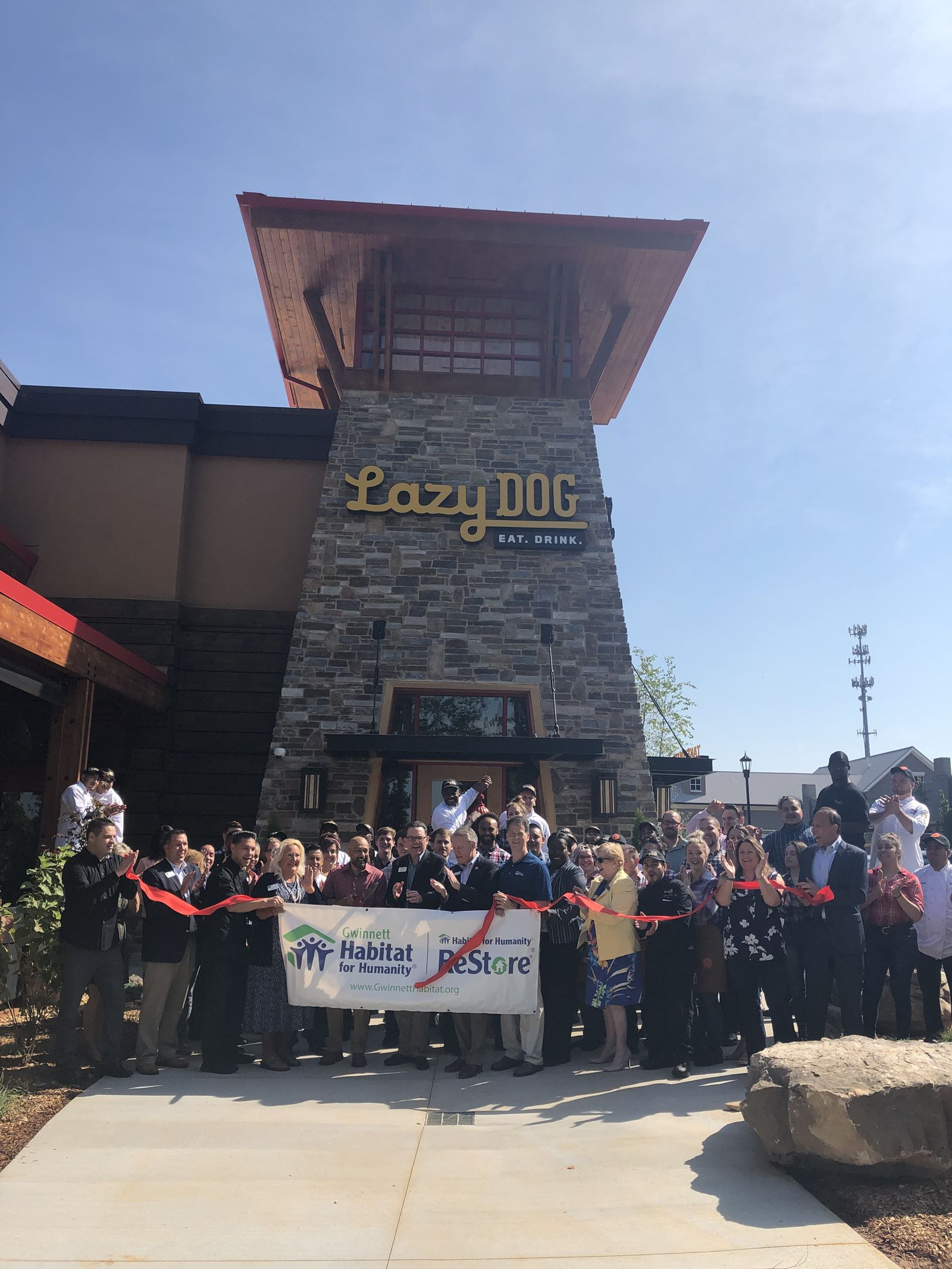 Lazy Dog Restaurant & Bar Opens in Peachtree Corners