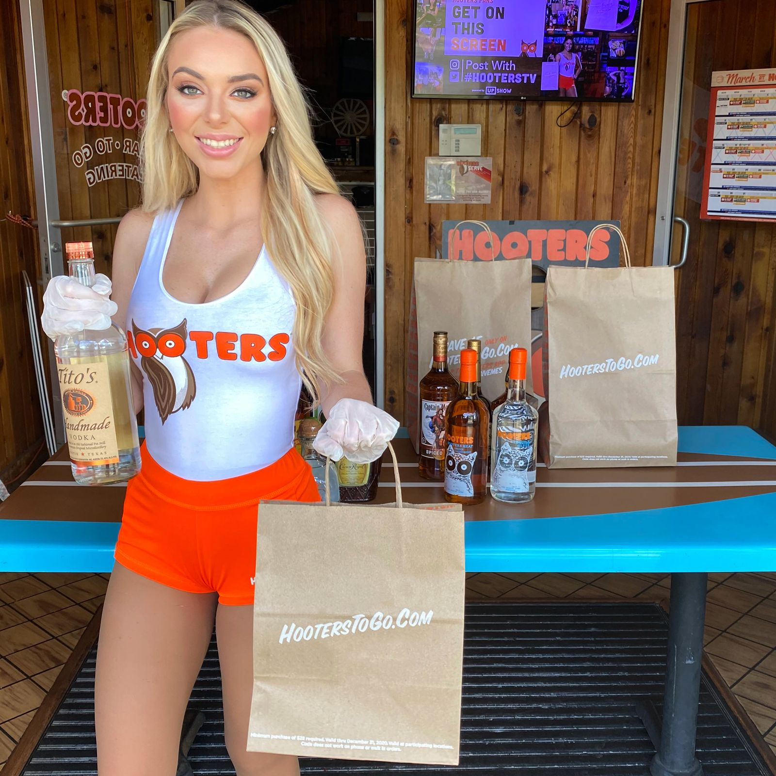 Hooters Launches Curbside Pick-Up for Full Menu Offerings Nationwide