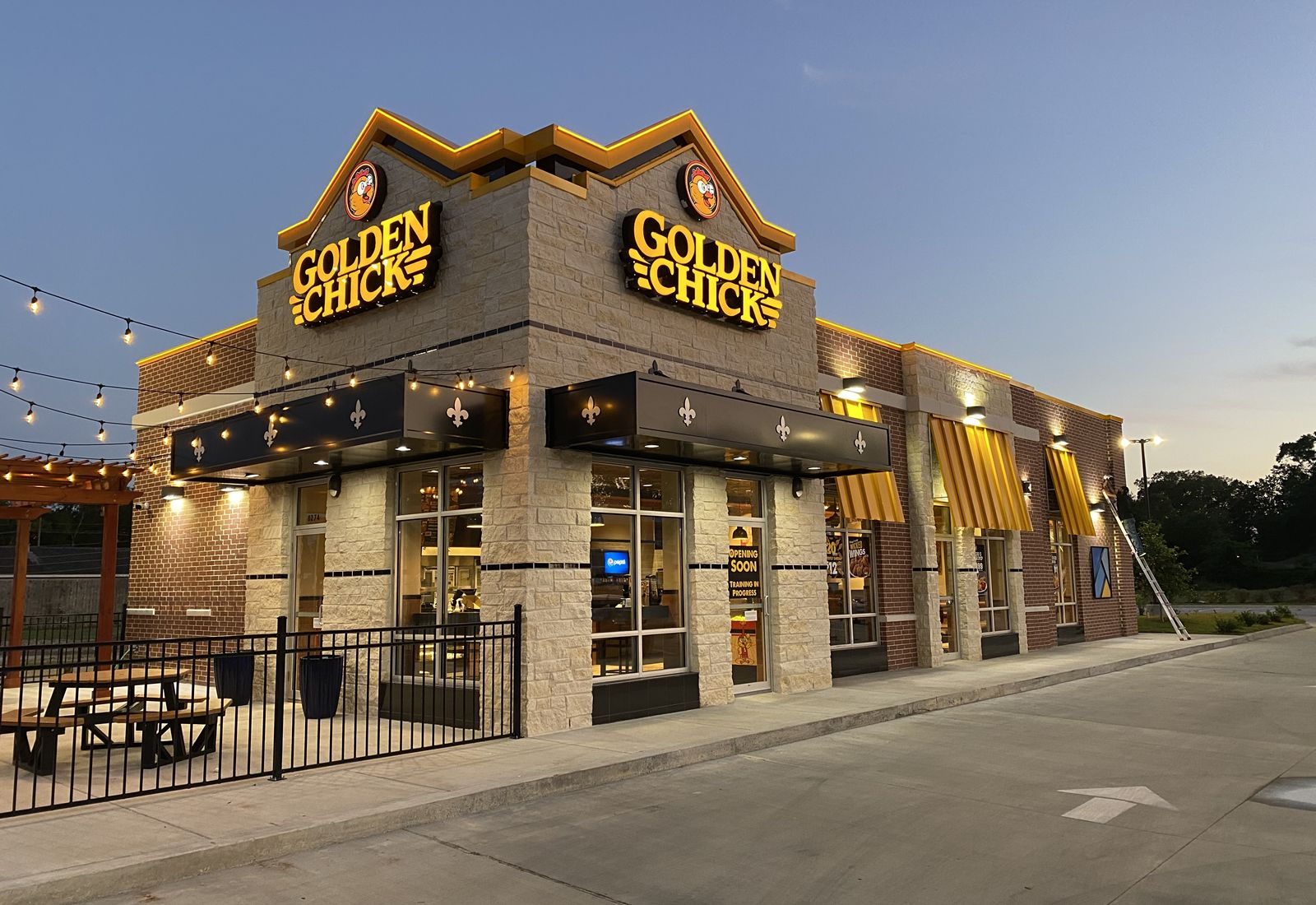 Golden Chick Continues Brand Expansion With First Louisiana