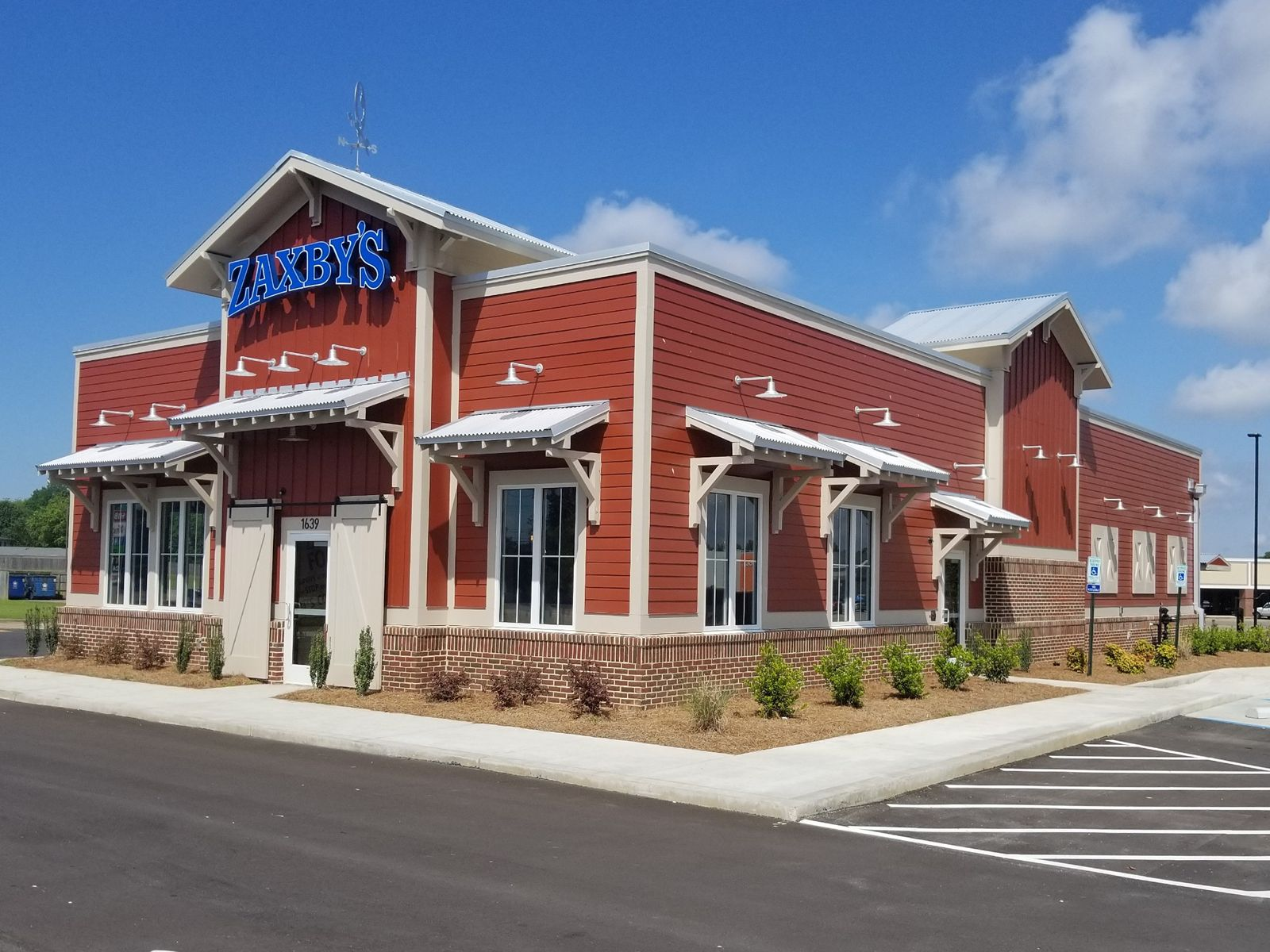 Zaxby's Hatches First Covington, TN Restaurant