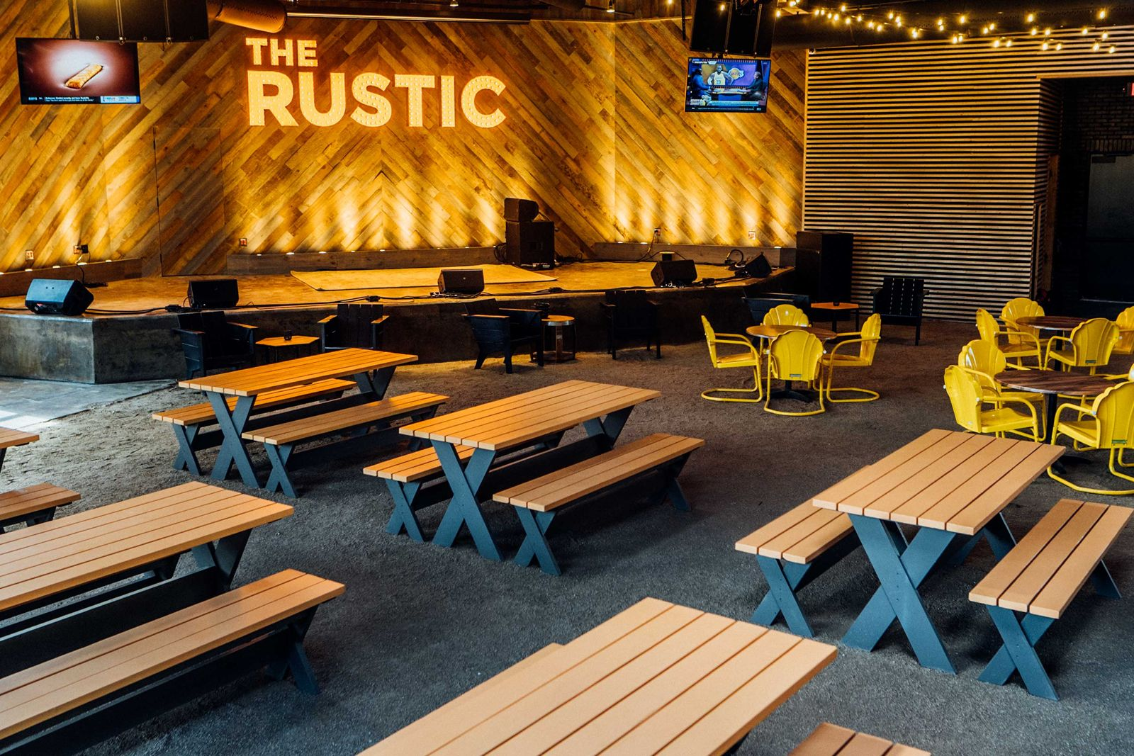 The Rustic Post Oak Opens in Uptown Park