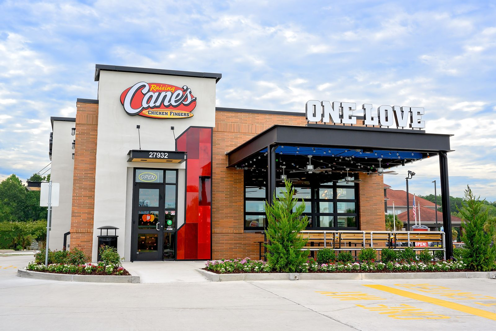 Raising Cane's Donates Over $500,000 to Local Hospitals Nationwide