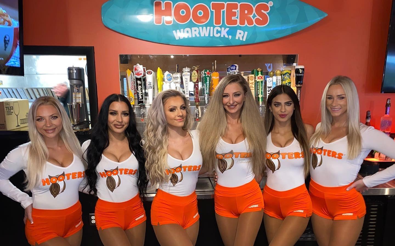 Hooters Reopens Location in Warwick, Rhode Island