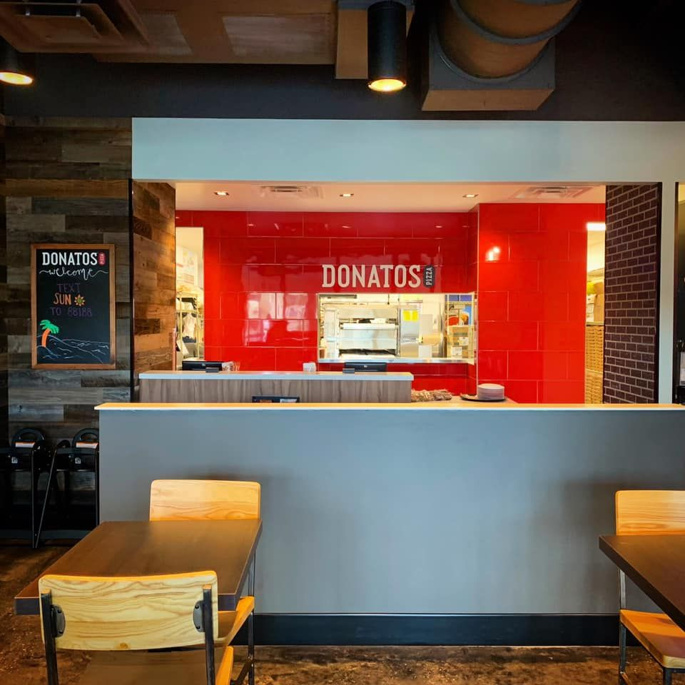 Second Donatos Pizza Location Opens in Sarasota