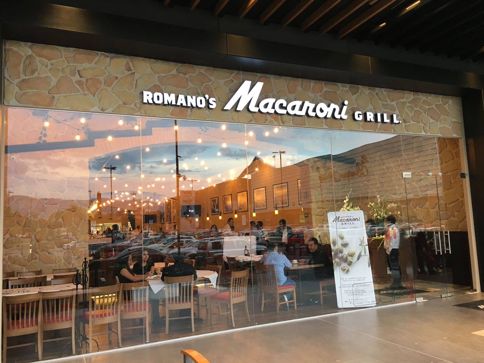 Romano's Macaroni Grill Opens Third Location in Mexico City ...